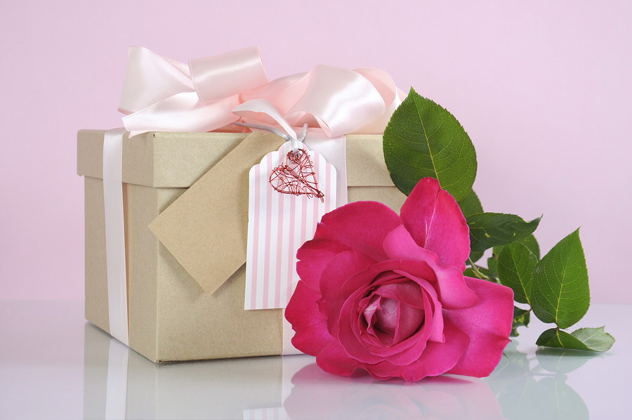 Beautiful Classic Kraft Paper Cardboard Gift Box With Pale Pink